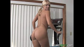 throbbing down raunchy chick gobbles this skin flute Perfect lovers just married in art vid 2338