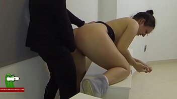 f70 pizza delivery boys and woman Alexis texas crawling ass4