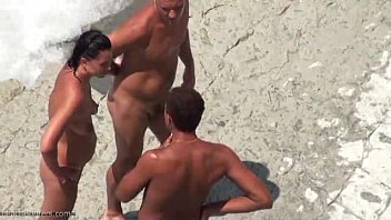 beach sex amateur French strapon mature