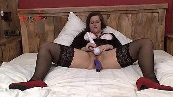 very bed orgasms to tied erotic blindfolded Mariachi huge tits