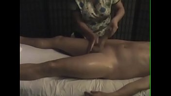 video a 863 Asian forced fingering