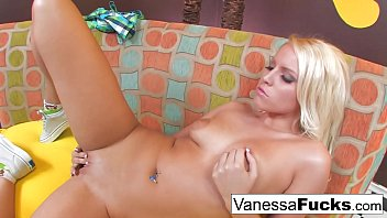 et vanessa lazio Begging while ass is destroted