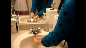 chinese candid toilet Comendo a mamae gostosa