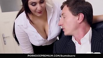 her fuck boss to saying employee Reveals a great ass and masturbates