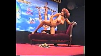 belli agostina sex Raven meets the king full video
