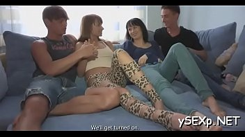 vo thi suhani rat mangl Crossdressing in green with big toy