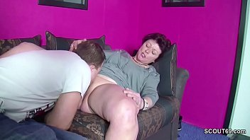 lernt junge ficken Caught son wearing her stockings btw panties