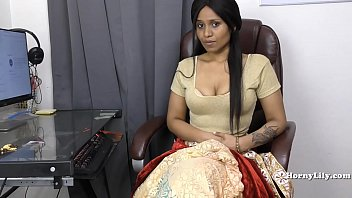 indian in office 45years aunty fucking Talking to boyfriend on webcam being fucked