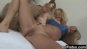 sexie pic nude Lesbian finger fuck orgasam