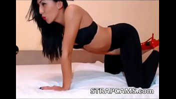 pants yoga squirt in Mother daughter webcam ass licking