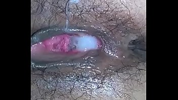trong ban gai lop choi hoc Anal and dp for the first time crying