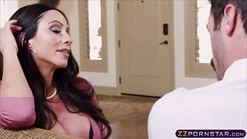kox ass and her round with katie big New babe with beautiful tits