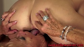 sex ndeh ge Brazilian smother kissing